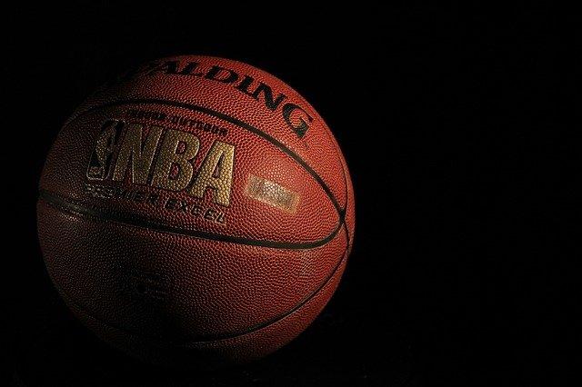 Sur quelles compétitions phares du basket mondial parier ?